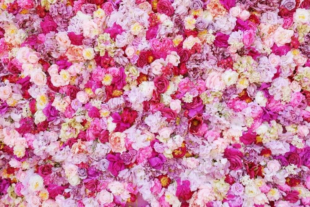 Seit dem Altertum gehören Blumen und Blumenschmuck zu einer Hochzeit.
