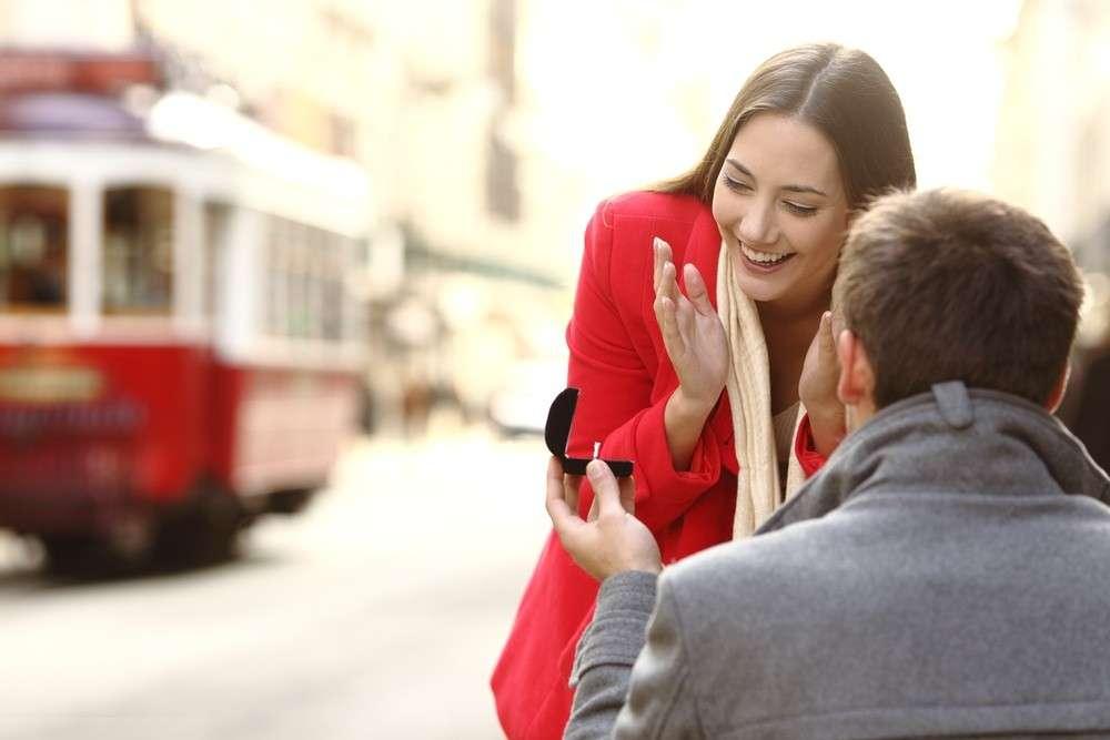 Die Tradition des Heiratsantrages | Moderne Hochzeit
