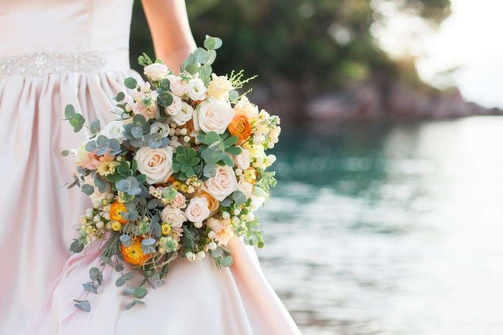 Blumensorten, Kräuter und Gewürze für den Brautstrauß