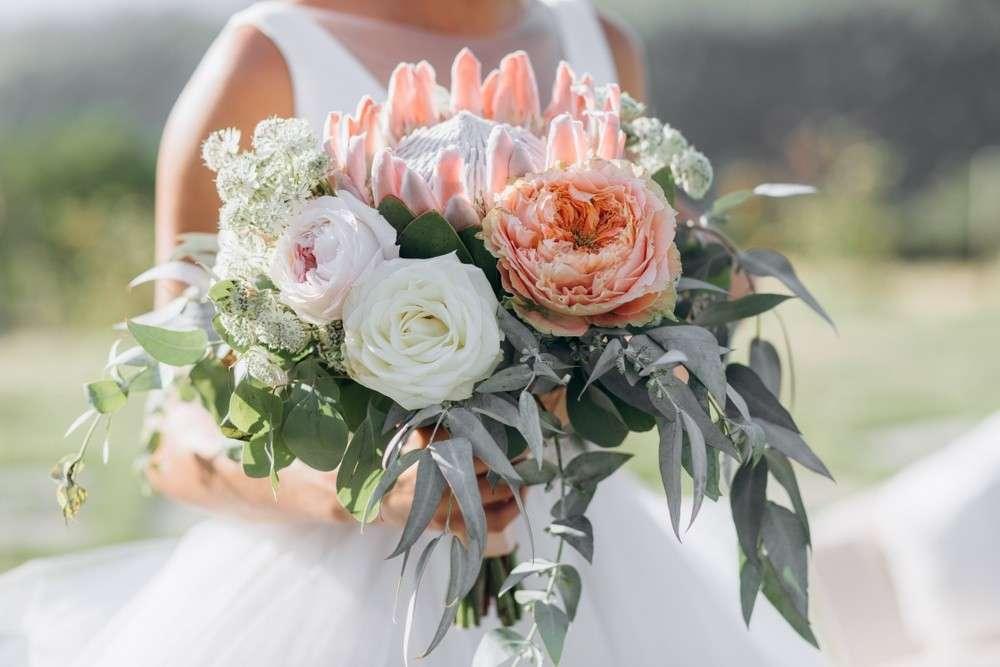 Farben der Blumen für den Brautstrauß