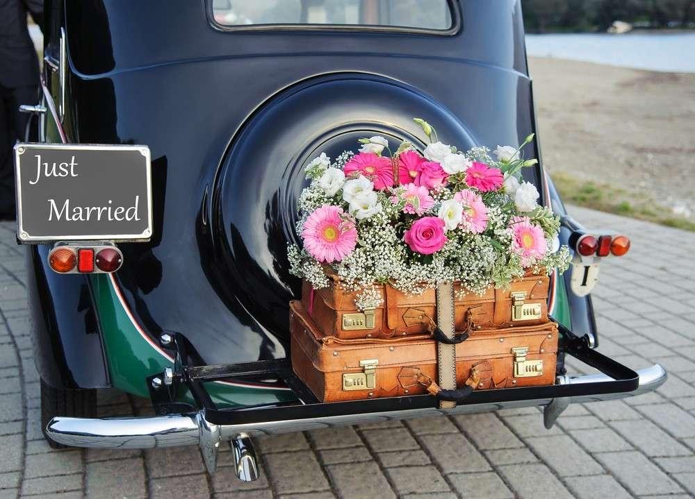 Hochzeitsfahrzeugs passend zum Stil der Hochzeit