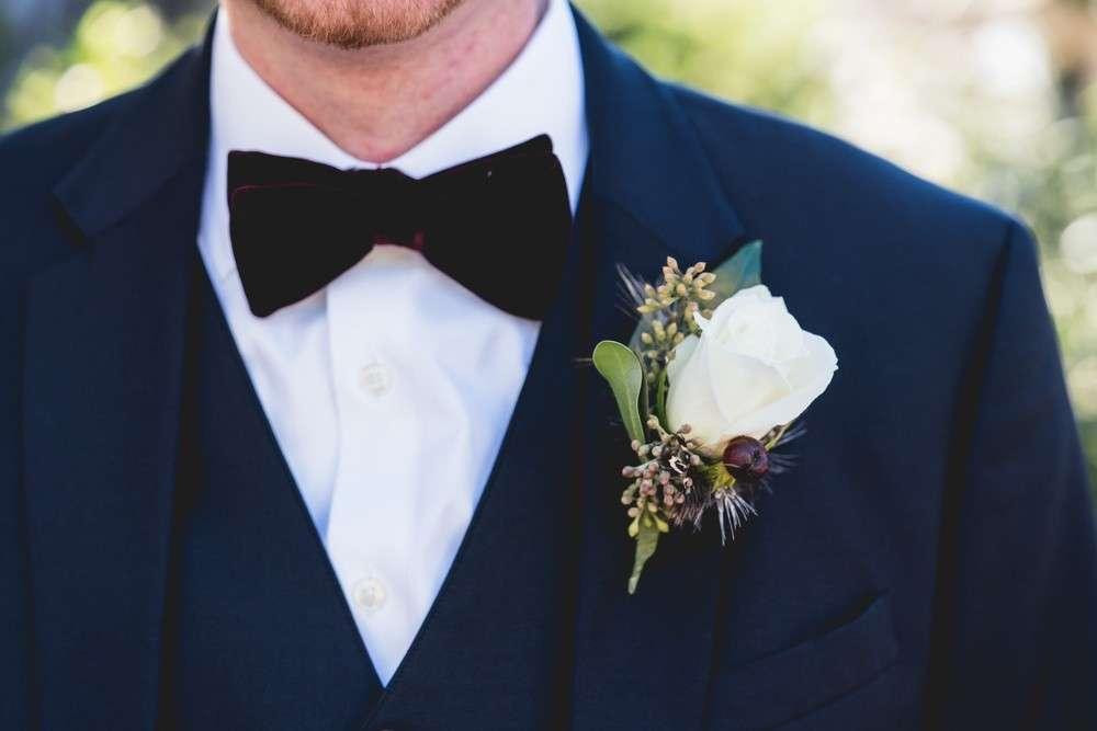 Die Boutonniere, als Blumenschmuck