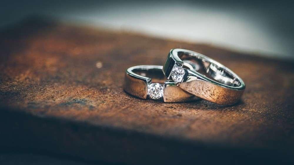 Glauben und Sitten der Eheringe