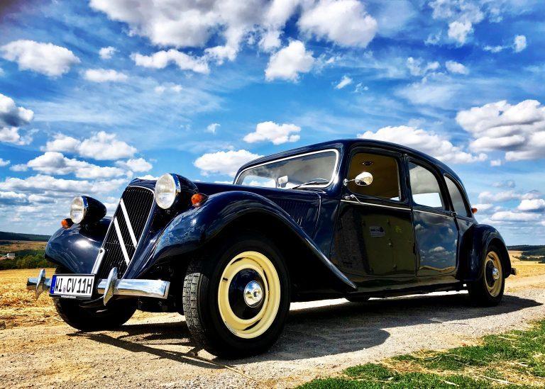 Oldtimervermietung / Hochzeitsautos mit Chauffeur in Frankfurt und Umgebung