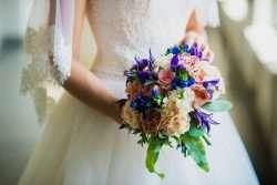 Wie die Form des Brautstraußes zum Typ der Braut passen sollte