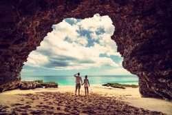 Flitterwochen in Indonesiens exotischer Landschaft - Tausend romantische Inseln voller Natur