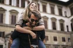 Unvergessliche Hochzeitsreise zwischen Weinbergen und Olivenhainen in der Toskana