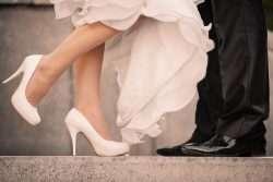 Die Brautschuhe - Bräuche und Sitten, die mit dem Brautschuh zusammenhängen