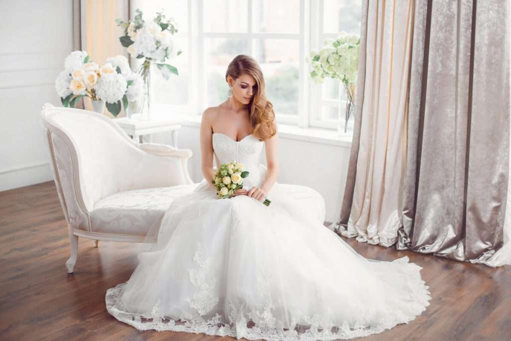 Die passende Farbe und der Schnitt des Brautkleides mit Ihrer Figur