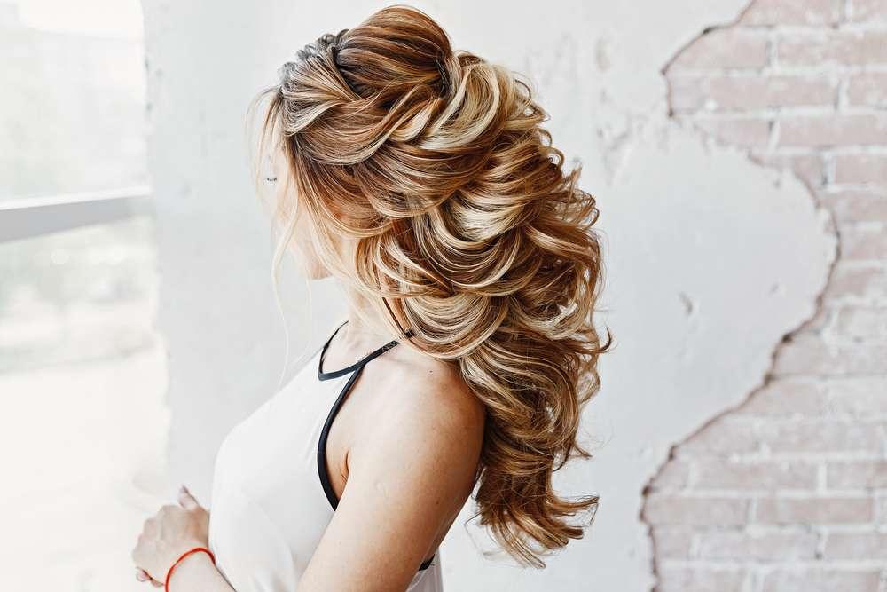 Tipps für die Haarpflege und die Gestaltung der Hochzeitsfrisur