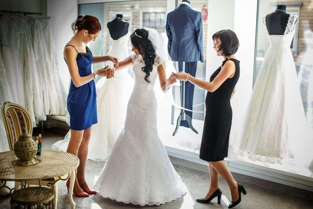 Tragekomfort zwischen Designer Brautkleider selber testen