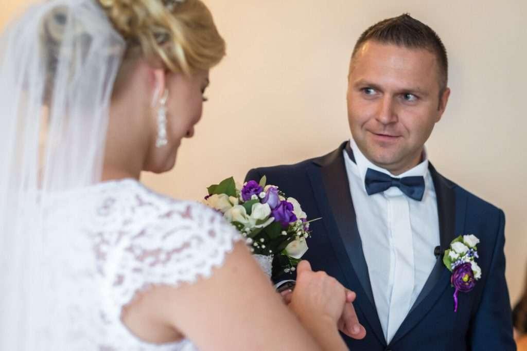 Sie und ihr Partner dürfen sich heute auch für unterschiedliche Ehenamen entscheiden
